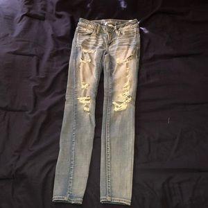 AEO Destroyed Super Stretch Light Wash Jeans